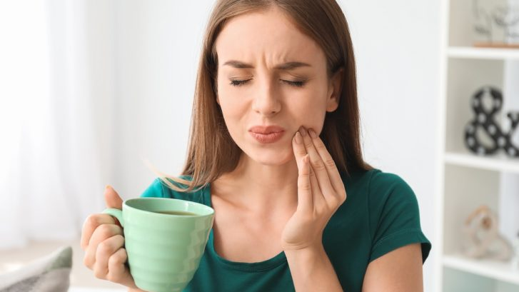 Lingering Tooth Pain? Signs You Might Need Emergency Care